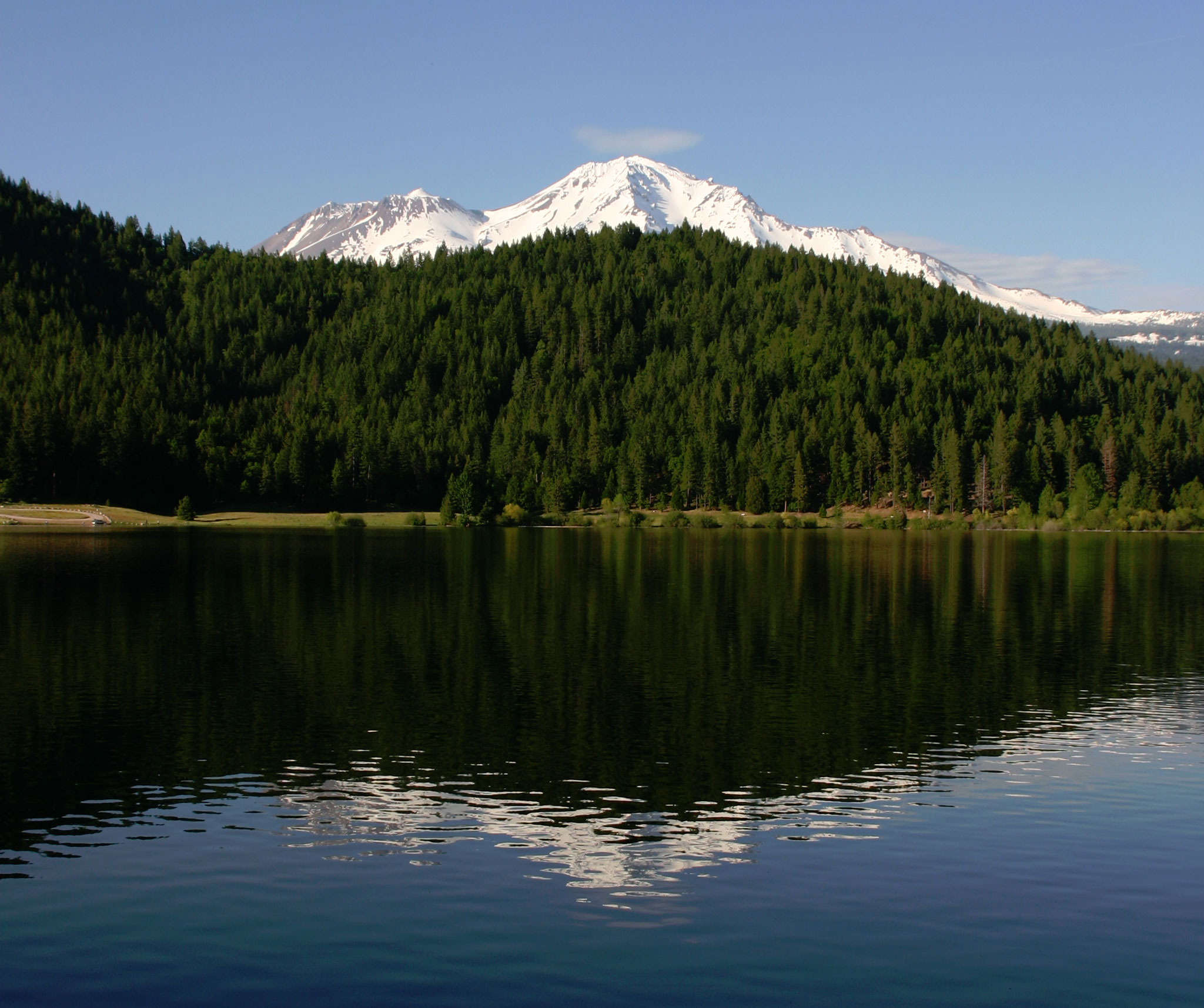 Camping rv parks campgrounds lassen volcanic np for Lake siskiyou resort cabins