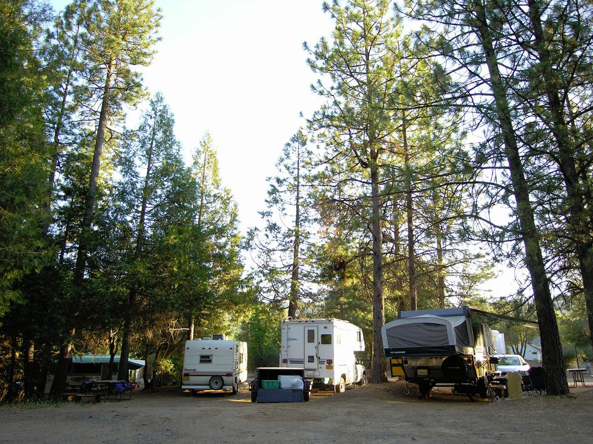 Yosemite Pines RV Resort & Family Lodging
